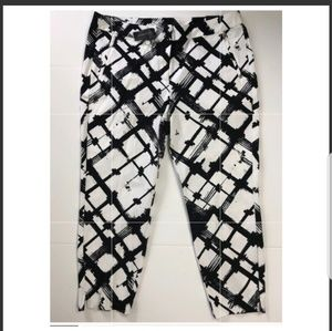 Black and white patterned Crops by Lane Bryant